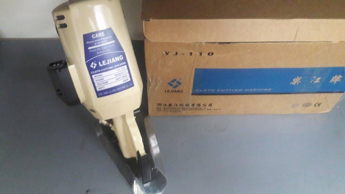 Máy cắt vải cẩm tay Lejiang - 110